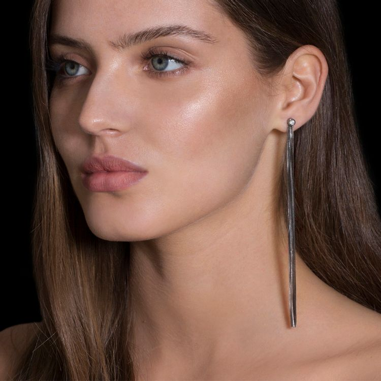 brinco-love-ny-franja-diamantes-ouro-branco-rodio-negro-modelo