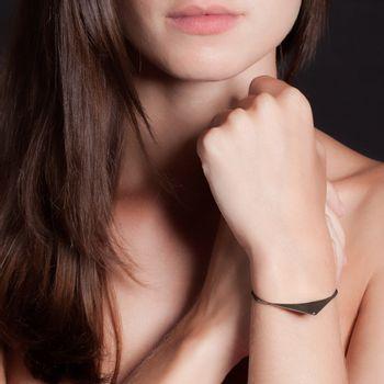 pulseira-pierce-ouro-branco-rodio-negro-diamante-modelo