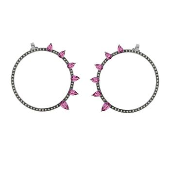 argola-avant-garde-ouro-branco-18k-com-gotas-de-safira-rosa-e-diamantes-still