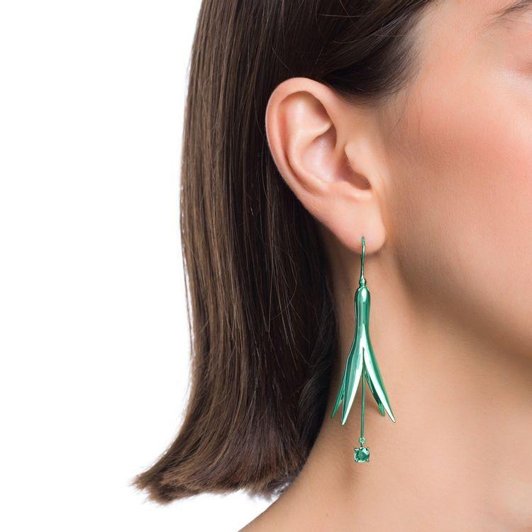 brinco-de-princesa-g-prata-com-green-lacquer-e-safira-verde-modelo