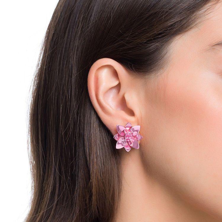 brinco-blossom-prata-com-pink-lacquer-e-safira-rosa-modelo