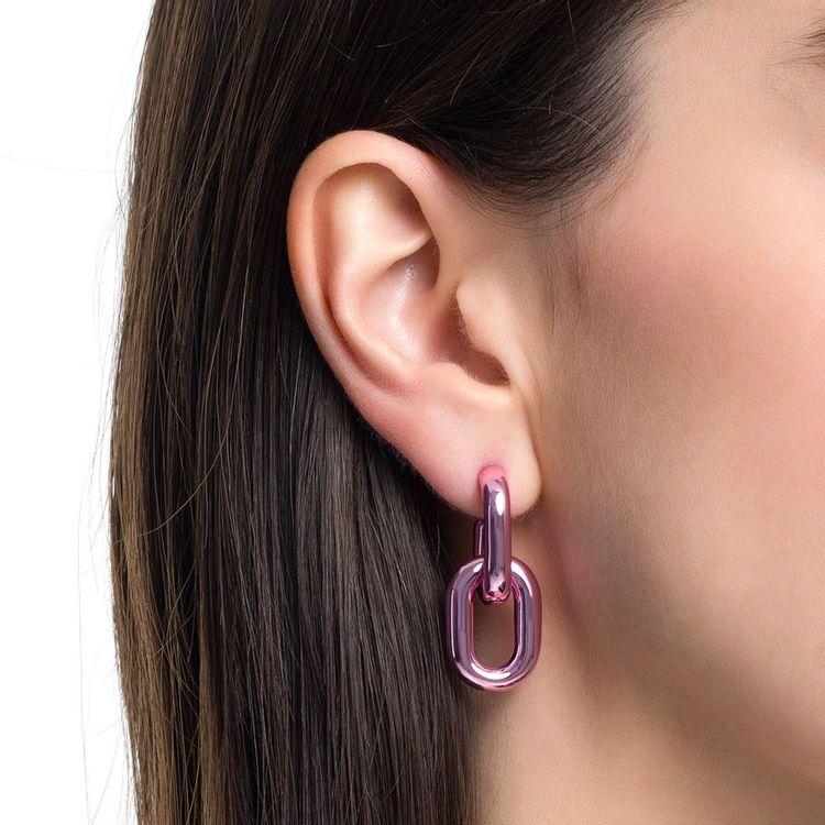 brinco-dois-elos-p-prata-com-pink-lacquer-modelo