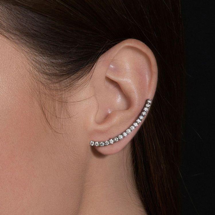 brinco-cometa-longo-voyeur-ouro-branco-diamantes-br04913t-modelo