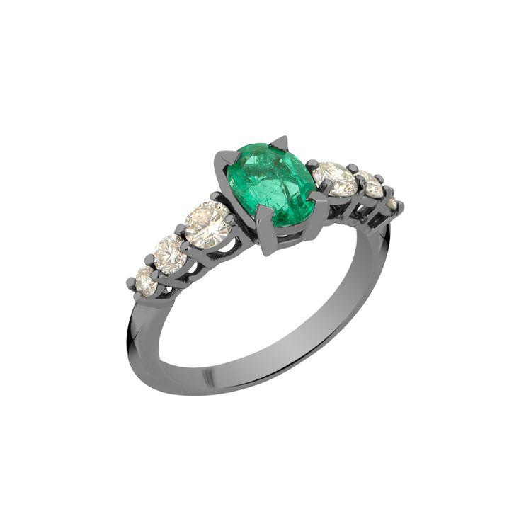 Anel-Rock-Star-G-em-ouro-branco-18k-com-banho-de-rodio-negro-esmeralda-±-105ct-e-diamantes-light-light-brown-±-063ct.
